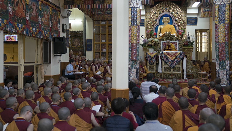 A view of the inside of the Main Tibetan Temple during the first day of His Holiness the Dalai Lama's teachings in Dharamsala, HP, India on October 3, 2106. Photo/Tenzin Choejor/OHHDL
