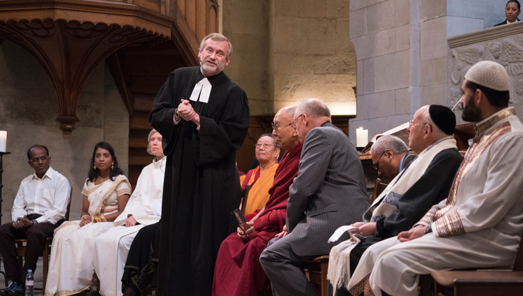 Pastor Christoph Sigrist Priest of Grossmuenster Church, addressing the gathering for inter-faith prayers for world peace in Zurich Switzerland on October 15, 2016. Photo/Tenzin Choejor/OHHDL