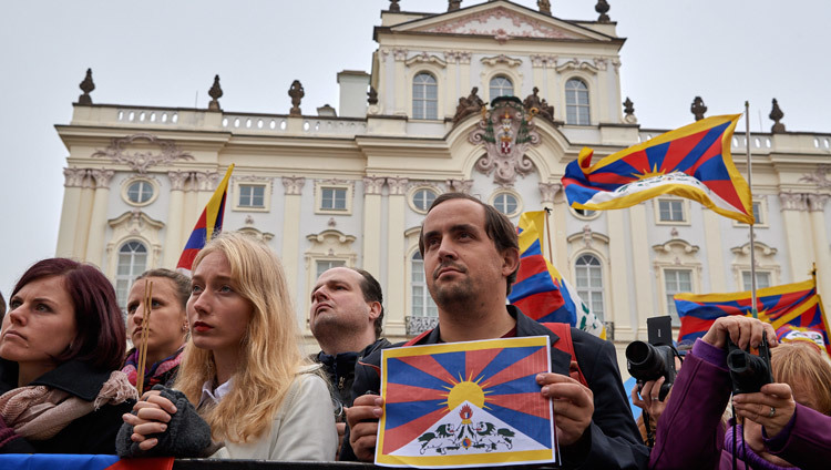 Some of the more than 2500 people gathered at Hradcanske Square to welcome and show their support of His Holiness the Dalai Lama in Prague, Czech Republic on October 17, 2016. Photo/Olivier Adam