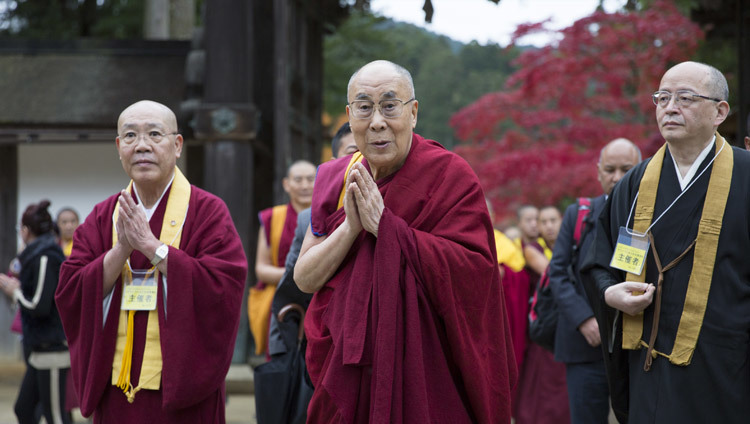 His Holiness the Dalai Lama arriving at the main temple in Koyasan, Japan on November 14, 2016. Photo/Jigme Choephel