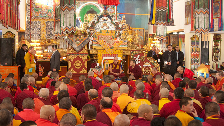 His Holiness the Dalai Lama speaking at Yiga Choeling Dratsang in Ulannbaatar, Mongolia on November 19, 2016. Photo/Igor Yanchoglov