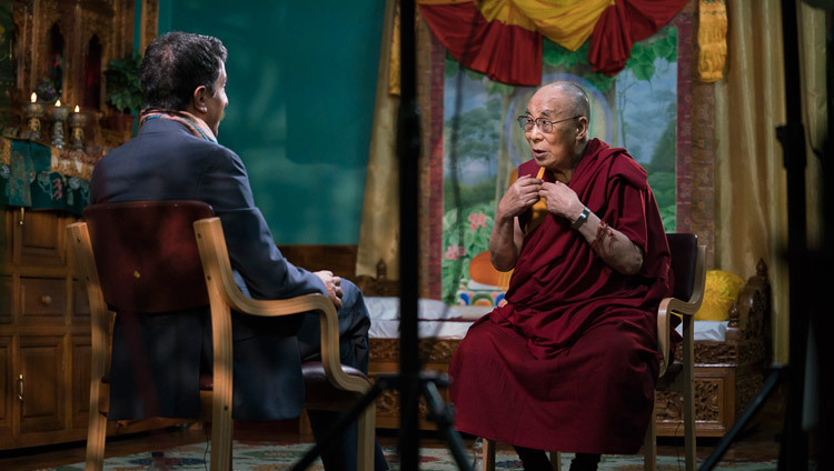 Dr Sanjay Gupta interviewing His Holiness the Dalai Lama for CNN at Drepung Loseling in Mundgod, Karnataka, India on December 19, 2016. Photo/Tenzin Choejor/OHHDL