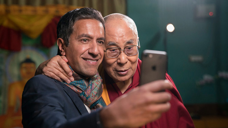 Dr Sanjay Gupta taking a selfie with His Holiness the Dalai Lama after their interview at Drepung Loseling in Mundgod, Karnataka, India on December 19, 2016. Photo/Tenzin Choejor/OHHDL