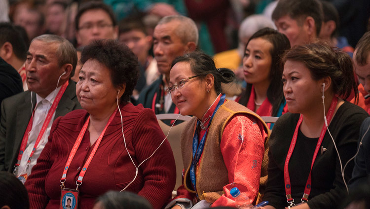 Some of the more than 1250 people listening to His Holiness the Dalai Lama during his teachings in Delhi, India on December 25, 2016. Photo/Tenzin Choejor/OHHDL