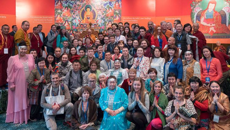 His Holiness the Dalai Lama posing for one of many group photos with all the attendees from Russia and Mongolia at the conclusion of his teaching in Delhi, India on December 27, 2016. Photo/Tenzin Choejor/OHHDL
