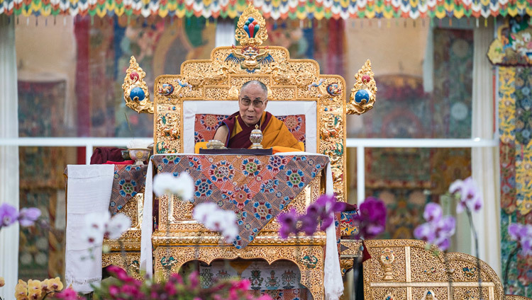 His Holiness the Dalai Lama speaking on the first day of the 34th Kalachakra Empowerment in Bodhgaya, Bihar, India on January 2, 2017. Photo/Tenzin Choejor/OHHDL
