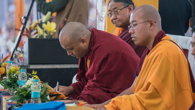 Sakya Trizin, Gyalwang Karmapa and Taklung Shabdrung during the first day of the Kalachakra Empowerment, Entry into the Mandala, in Bodhgaya, Bihar, India on January 11, 2017. Photo/Tenzin Choejor/OHHDL
