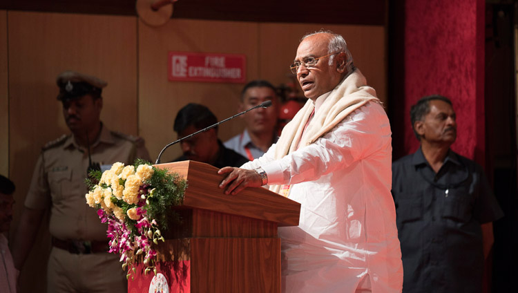 Shri Mallikarjuna Kharge, Leader of the Congress Parliamentary Party, speaking at the State Level Seminar on 'Social Justice and Dr BR Ambedkar' in Bengaluru, Karnataka, India on May 23, 2017. Photo by Tenzin Choejor/OHHDL