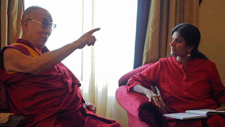 Sita Lakshmi, Chief of the News Bureau of the Bengaluru edition of the Times of India interviewing His Holiness the Dalai Lama in Bengaluru, Karnataka, India on May 23, 2017. Photo by Jeremy Russell/OHHDL