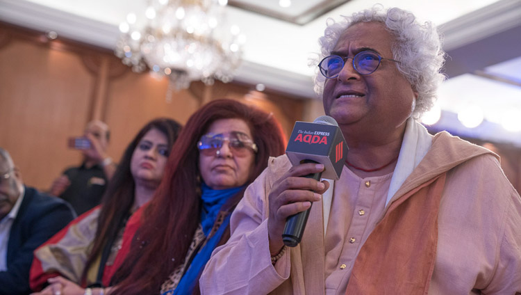 Noted Indian designer and art curator Rajeev Sethi asking His Holiness the Dalai Lama a question during an Indian Express Adda in New Delhi, India on May 24, 2017. Photo by Tenzin Choejor/OHHDL