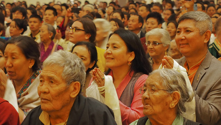 Members of the audience listening to His Holiness the Dalai Lama addressing the Tibetan community in Boston, MA, USA on June 25, 2017. Photo by Jeremy Russell/OHHDL