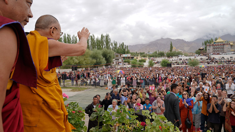 His Holiness the Dalai Lama waving to the westerners attending the second day of his teachings at the Shiwatsel teaching ground in Leh, Ladakh, J&K, India on July 29, 2017. Photo by Tenzin Choejor/OHHDL