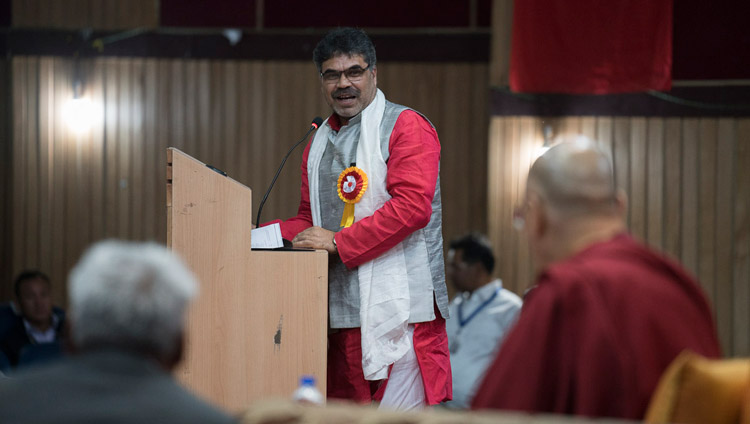 Prof RK Shukla, Member Secretary of ICPR, delivering his words of thanks at the conclusion of the first day of the three day seminar on 'Buddhism in Ladakh' at the Central Institute of Buddhist Studies in Leh, Ladakh, J&K, India on August 1, 2017. Photo by Tenzin Choejor/OHHDL