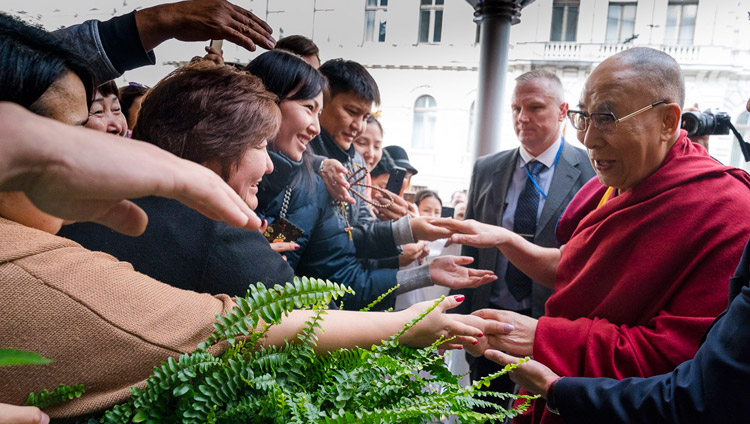 Well-wishers and supporters greeting His Holiness the Dalai Lama on his arrival at his hotel in Riga, Latvia on September 22, 2017. Photo by Tenzin Choejor