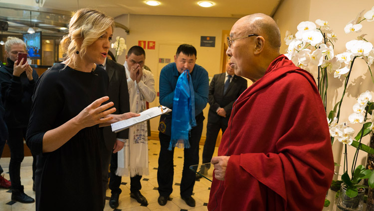 His Holiness the Dalai Lama speaking with a Latvian journalist on his arrival at his hotel in Riga, Latvia on September 22, 2017. Photo by Tenzin Choejor
