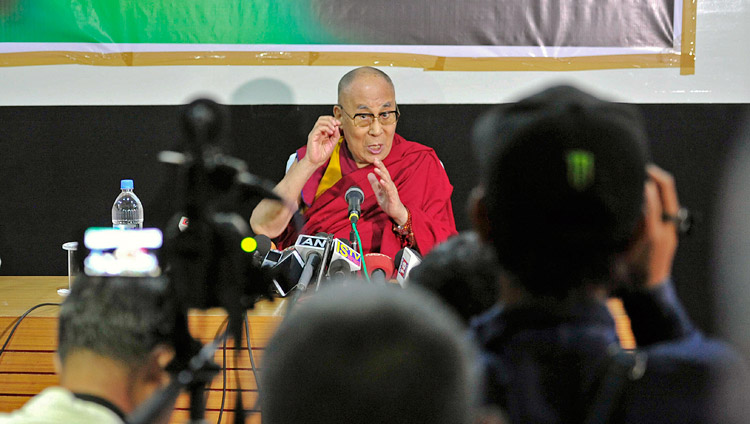 His Holiness the Dalai Lama meeting with members of the media in Imphal, Manipur, India on October 18, 2017. Photo by Lobsang Tsering