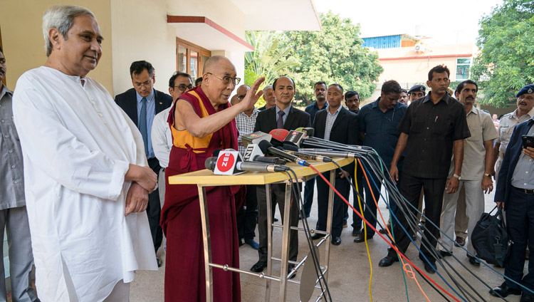 Odisha Chief Minister Naveen Patnaik looks on as His Holiness the Dalai Lama answers questions from the media at the Chief Minister's residence in Bhubaneswar, Odisha, India on November 20, 2017. Photo by Tenzin Choejor