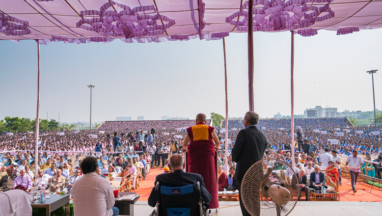 His Holiness the Dalai Lama speaking to a crowd of over 25,000 students at KISS University in Bhubaneswar, Odisha, India on November 21, 2017. Photo by Tenzin Choejor