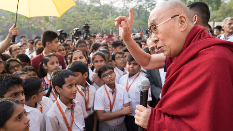 His Holiness the Dalai Lama speaking to school children on his arrival at Somaiya Vidyavihar in Mumbai, India on December 8, 2017. Photo by Lobsang Tsering