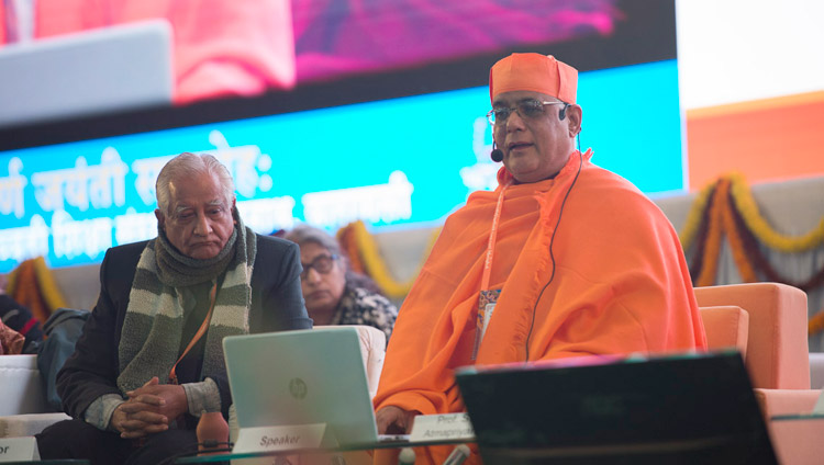Swami Atmapriyananda, Vice-Chancellor of the Ramakrishna Mission Vivekananda Educational and Research Institute, speaking at the conference on Mind in Indian Philosophical Schools of Thought and Modern Science at the Central Institute of Higher Tibetan Studies in Sarnath, Varanasi, India on December 30, 2017. Photo by Lobsang Tsering