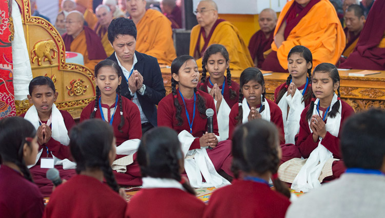 School children reciting the Heart Sutra in Sanskrit at the start of His Holiness the Dalai Lama's teaching in Bodhgaya, Bihar, India on January 5, 2018. Photo by Lobsang Tsering
