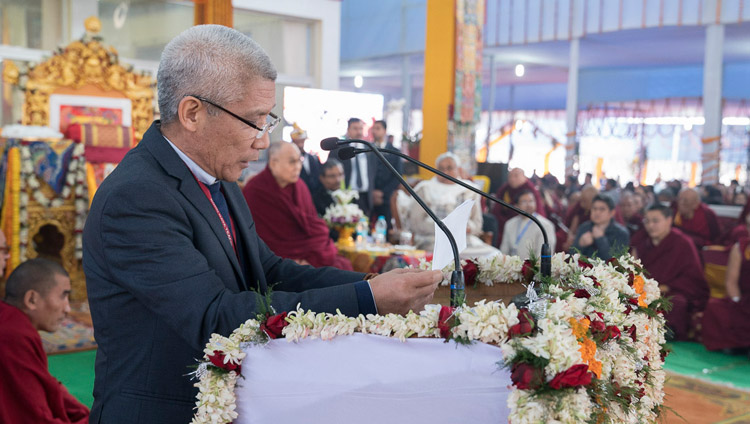 "Dr Thupten Jinpa, general editor for the series ""Science and Philosophy in the Indian Buddhist Classics"", speaking at the release ceremony for ""Volume 1: The Physical World"" in Bodhgaya, Bihar, India on January 7, 2018. Photo by Lobsang Tsering"
