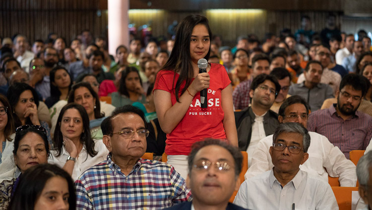 A member of the audience asking His Holiness the Dalai Lama a question during his talk at IIT in New Delhi, India on April 24, 2018. Photo by Tenzin Choejor