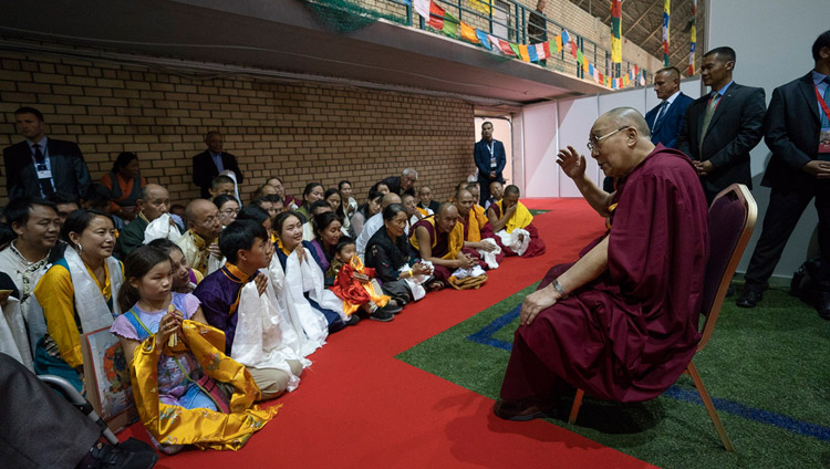 His Holiness the Dalai Lama meeting with Tibetans from several European countries at the end of the second day of teachings in Riga, Latvia on June 17, 2018. Photo by Tenzin Choejor