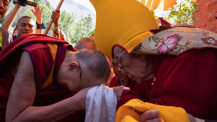 Gaden Trisur Rizong Rinpoche greeting His Holiness the Dalai Lama on his arrival at Samstangling Monastery in Sumur, Ladakh, J&K, India on July 14, 2018. Photo by Tenzin Choejor