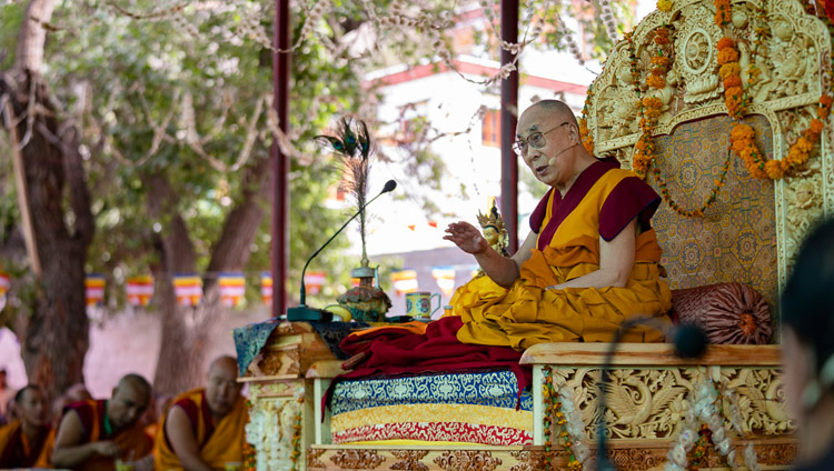 His Holiness the Dalai Lama addressing the congregation at the Samstanling Monastery teaching ground Sumur, Ladakh, J&K, India on July 17, 2018. Photo by Tenzin Choejor