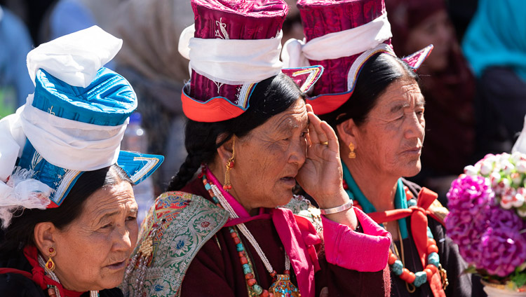 Members of the crowd listening to His Holiness the Dalai Lama speaking at the inauguration ceremony of the park at Juma Bagh in Leh, Ladakh, J&K, India on August 3, 2018. Photo by Tenzin Choejor