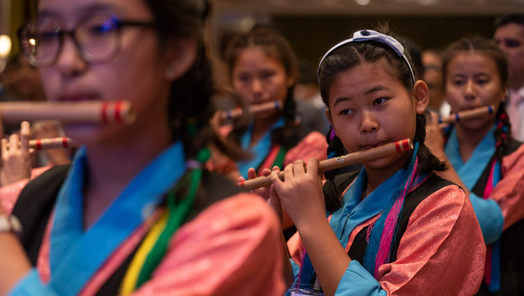 Students playing the Indian and Tibetan national anthems to open the Thank You Karnataka program in Bengaluru, Karnataka, India on August 10, 2018. Photo by Tenzin Choejor