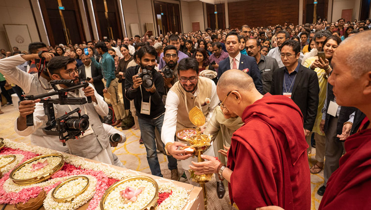 His Holiness the Dalai Lama lighting a lamp to inaugurate his talk in Bengaluru, Karnataka, India on August 11, 2018. Photo by Tenzin Choejor