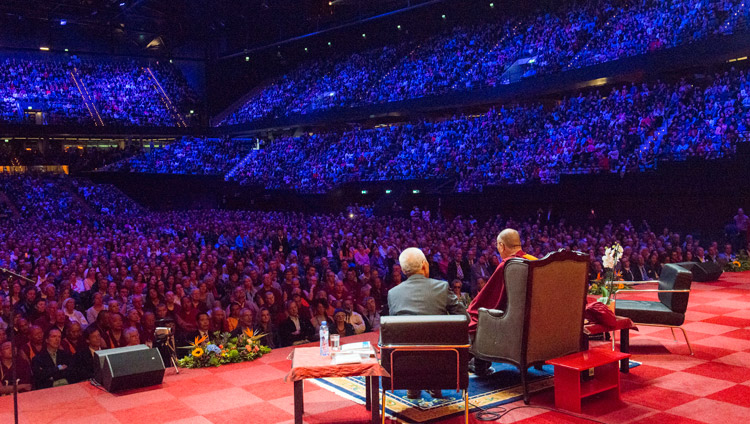 His Holiness the Dalai Lama addressing the capacity crowd of 12,000 at the Ahoy convention centre in Rotterdam, Netherlands on September 16, 2018. Photo by Jurjen Donkers