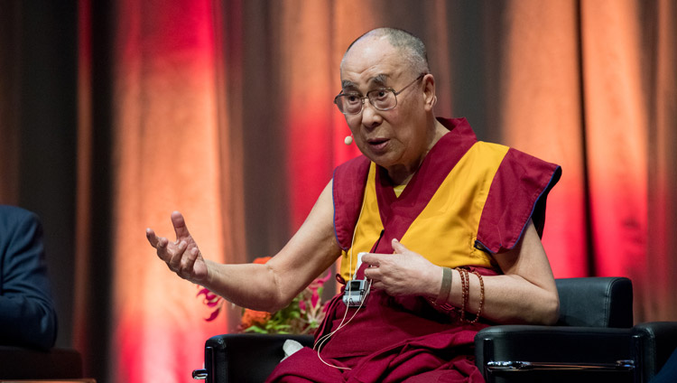 His Holiness the Dalai Lama speaking at the discussion on non-violence at Darmstadtium Congress Hall in Darmstadt, Germany on September 19, 2018. Photo by Manuel Bauer