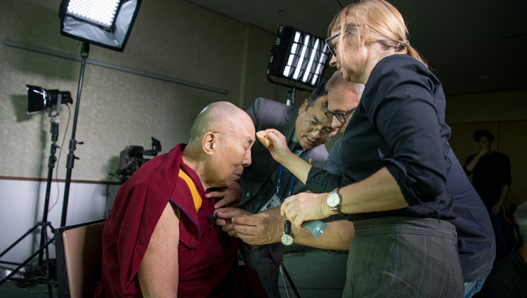His Holiness the Dalai Lama preparing for his interview with Islamic scholar and journalist Amira Hafner-Al Jabaji in Zurich, Switzerland on September 22, 2018. Photo by Manuel Bauer