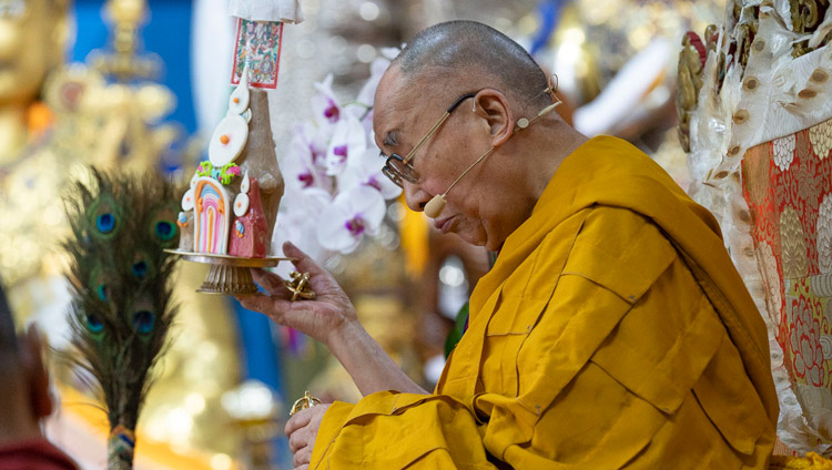 His Holiness the Dalai Lama giving the permission of Avalokiteshvara Who Liberates from the Lower Realms on the final day of teachings at the Main Tibetan Temple in Dharamsala, HP, India on October 6, 2018. Photo by Ven Tenzin Jamphel