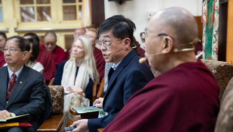 Dr Ting-Kuo Lee speaking about superconductivity during his presentation on the second day of the Dialogue between His Holiness the Dalai Lama and Chinese Scientists on Quantum Effects at the Main Tibetan Temple in Dharamsala, HP, India on November 2, 2018. Photo by Ven Tenzin Jamphel