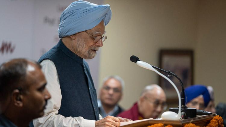Former Indian Prime Minister Dr Manmohan Singh speaking at celebrations of Guru Nanak's 550th Birth Anniversary in New Delhi, India on November 10, 2018. Photo by Tenzin Choejor