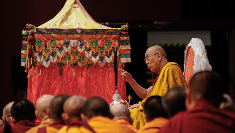 His Holiness the Dalai Lama addressing the audience on the final day of his teachings in Yokohama, Japan on November 15, 2018. Photo by Tenzin Jigme