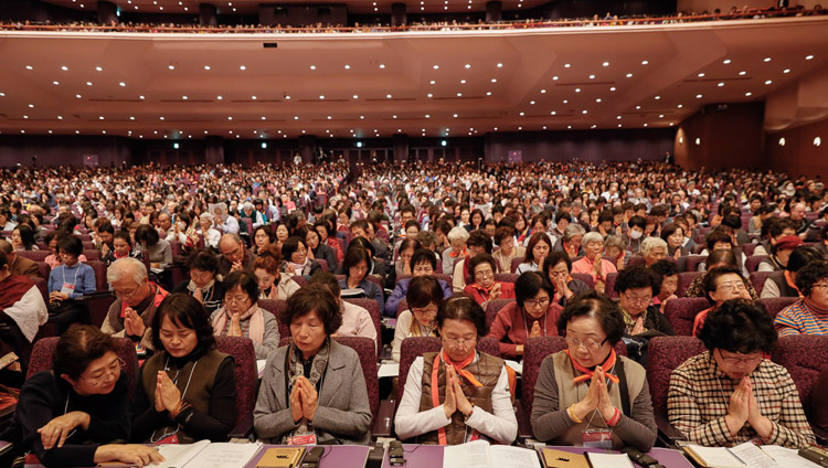 Members of the audience listening to His Holiness the Dalai Lama on the inal day of his teachings in Yokohama, Japan on November 15, 2018. Photo by Tenzin Jigme