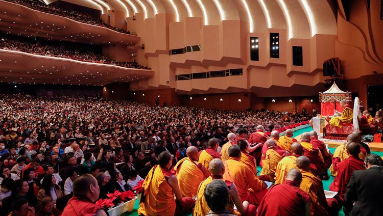 His Holiness the Dalai Lama giving the Avalokiteshvara Empowerment at the Pacifico Yokohama National Convention Hall on the final day of his teachings in Yokohama, Japan on November 15, 2018. Photo by Tenzin Jigme