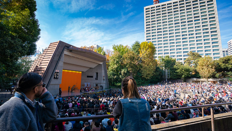 A view of the Hibiya Open-Air Concert Hall pavilion during His Holiness the Dalai Lama's talk in Tokyo, Japan on November 17, 2018. Photo by Tenzin Choejor