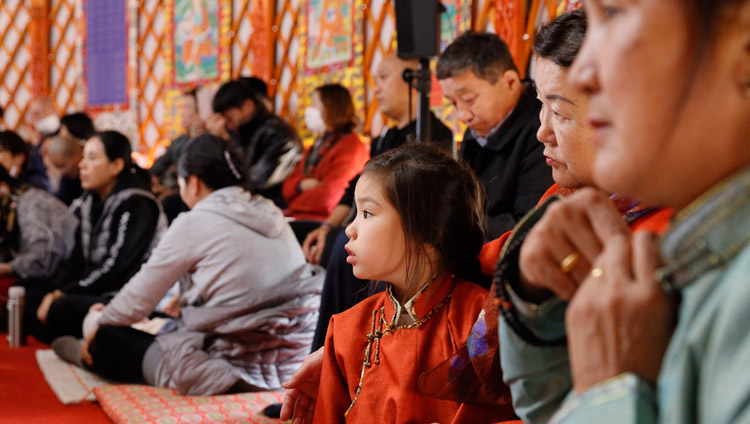 Members of the audience listening to His Holiness the Dalai Lama speaking at the Sherab Kyetsel Ling Institute temple in Chiba, Japan on November 18, 2018. Photo by Tenzin Jigme