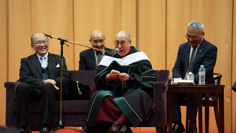 His Holiness the Dalai Lama addressing the audience at Reitaku University in Chiba, Japan on November 19, 2018. Photo by Tenzin Choejor