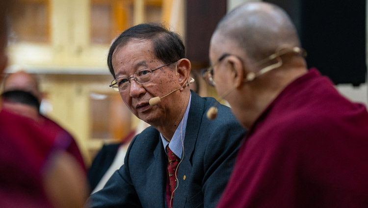 Prof Yuan Tseh Lee delivering his presentation on Challenges and Opportunities for a Sustainable Planet on the third day of the dialogue with Chinese scientists about quantum effects at the Main Tibetan Temple in Dharamsala, HP, India on November 3, 2018. Photo by Ven Tenzin Jamphel