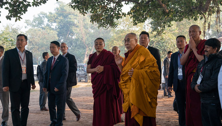 His Holiness the Dalai Lama paying his respects at the Archeological site presumed to be a stupa in Sankisa, UP, India on December 3, 2018. Photo by Lobsang Tsering