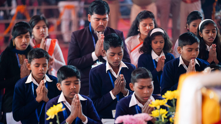 School-children reciting the Mangala Sutta in Pali opening the second day of His Holiness the Dalai Lama's teaching in Sankisa, UP, India on December 4, 2018. Photo by Lobsang Tsering