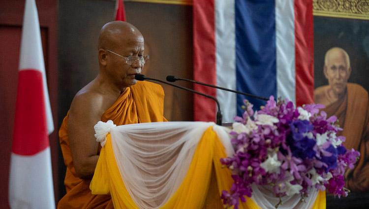 Abbot Dr Phra Bhodhinandhamunee addressing the opening session of the International Seminar on the Tipitaka / Tripitaka at Watpa Buddhagaya in Bodhgaya, Bihar, India on December 22, 2018. Photo by Lobsang Tsering