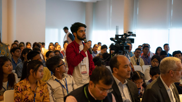 A member of the audience asking His Holiness the Dalai Lama a question during his meeting with group of students and teachers from South Asian countries who have been taking part in workshops about universal values and secular ethics in New Delhi, India on April 4, 2019. Photo by Tenzin Choejor